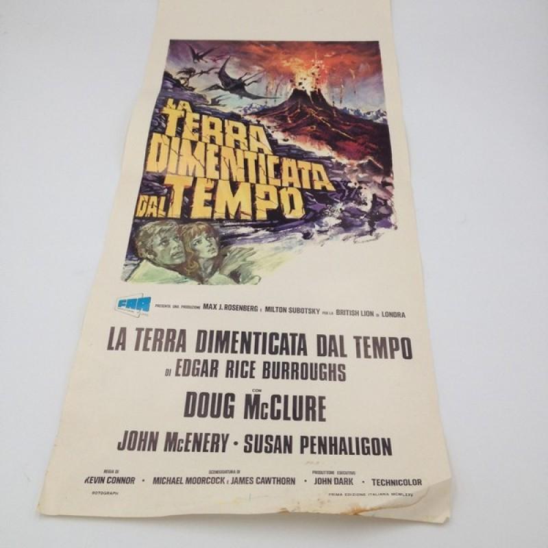 """""""La terra dimenticata dal tempo"""" Italian Language Poster, 1975"""