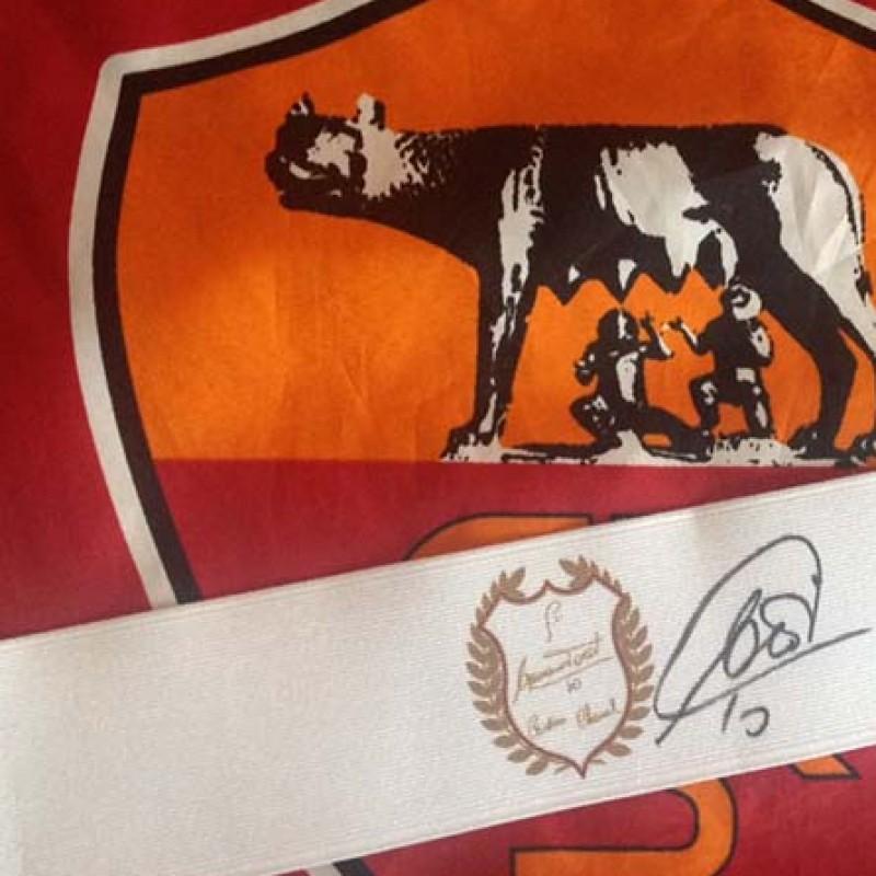 Fascia da capitano indossata da Francesco Totti ed autografata
