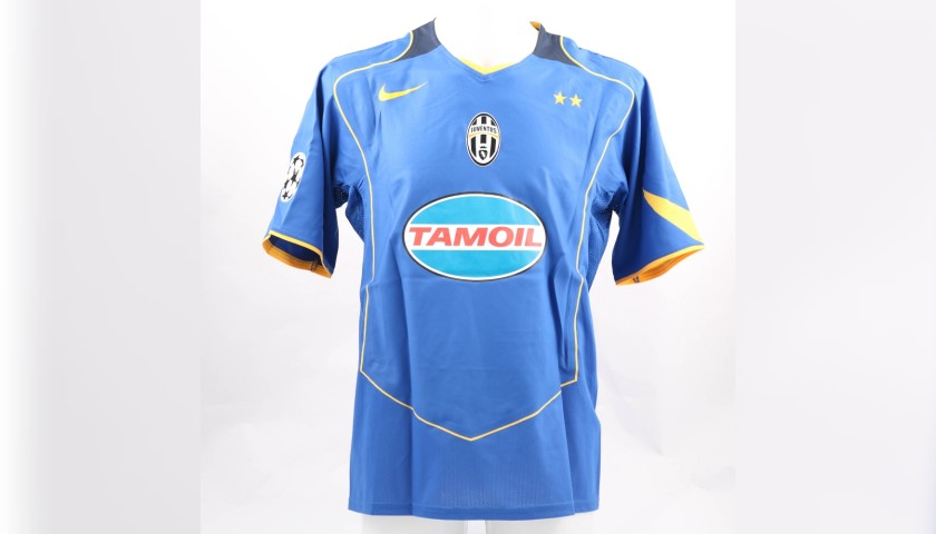 separation shoes 3877e 2f119 Appiah's Juventus Match-Issue/Worn Shirt, 2004/05 - CharityStars