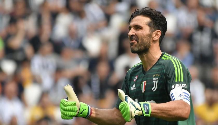 0c9040ca1 Buffon s Official 2018 19 Juventus Signed Shirt - CharityStars