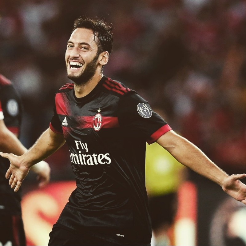 Calhanoglu's Official 2017/18 Shirt - Signed