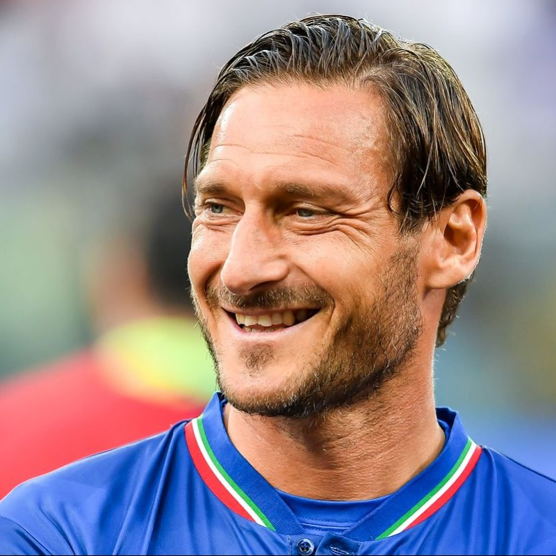 """""""Ospedale Bambino Gesù"""" Shirt Personalized for Totti"""