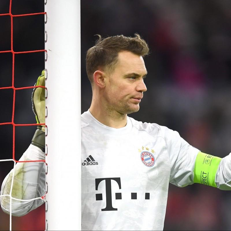 Neuer's Official Bayern Munich Signed Shirt, 2008/09