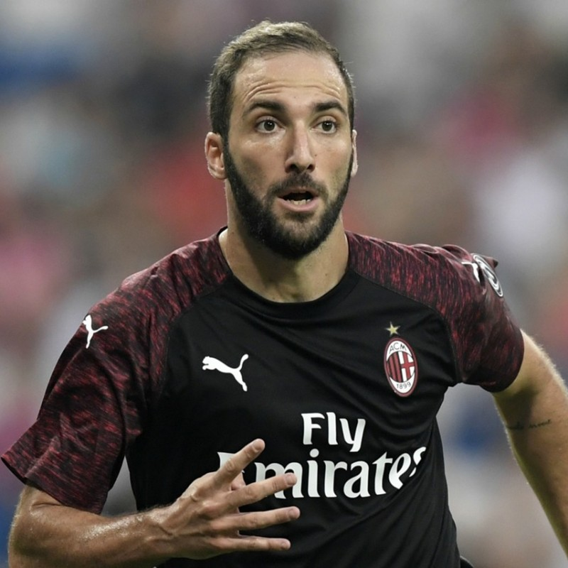 Higuain's Official Milan Signed Shirt, 2018/19