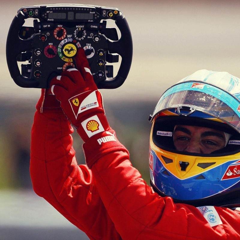 Volante autografato da Fernando Alonso e Felipe Massa