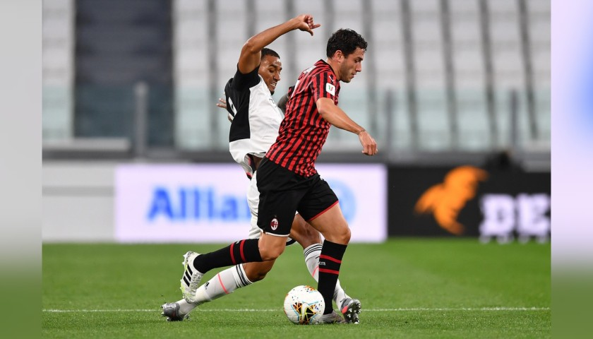 "Calabria's Worn Shirt, Juventus-Milan - ""Andrà Tutto Bene"""