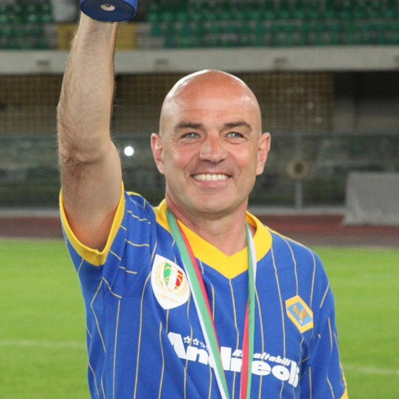 Fanna's Hellas Verona Worn and Signed Shirt, 25 Years Scudetto