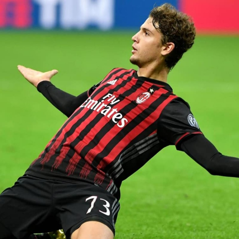 Signed Official Locatelli 2016/17 Milan Shirt