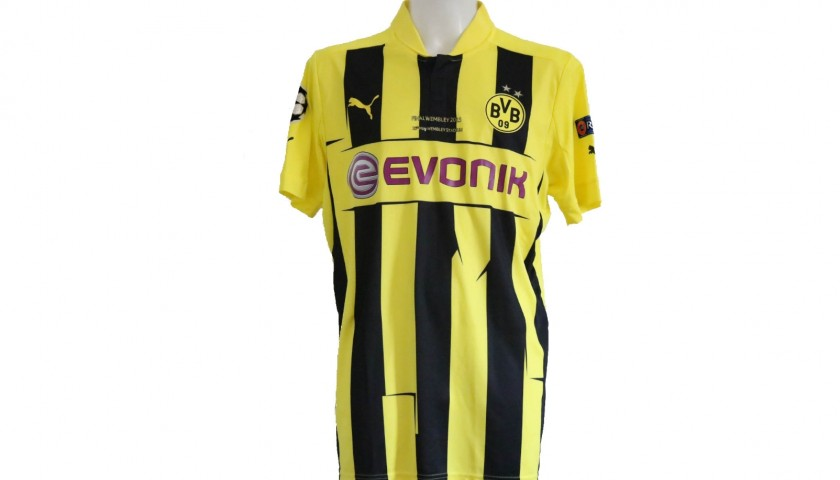 new product c7340 d91e2 Lewandowski's Borussia Dortmund Match-Issue Shirt, Wembley 2013 Final -  CharityStars
