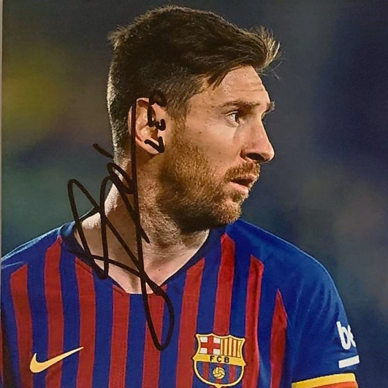Photograph Signed by Lionel Messi