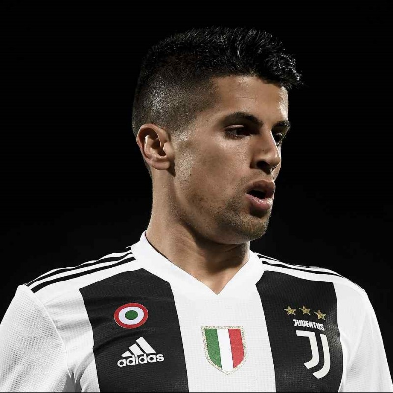 Cancelo's Official Juventus Signed Shirt, 2018/19