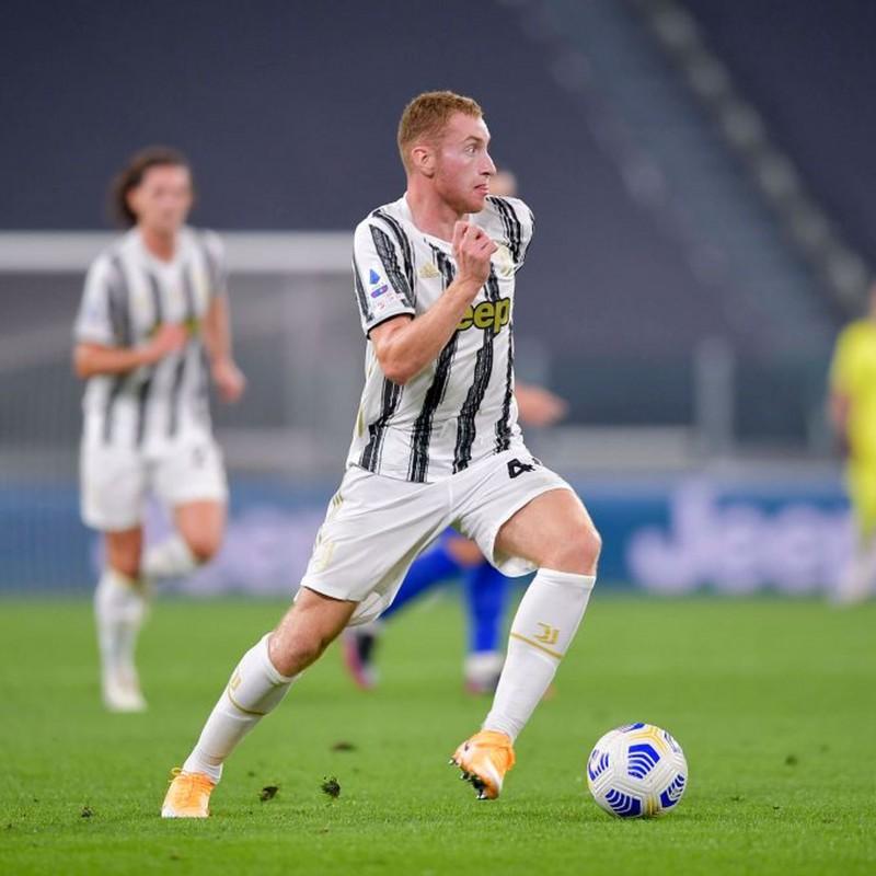 Kulusevski's Official Juventus Signed Shirt, 2020/21