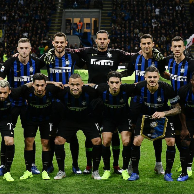 Official Inter Football, 2018/19 - Signed by the Squad