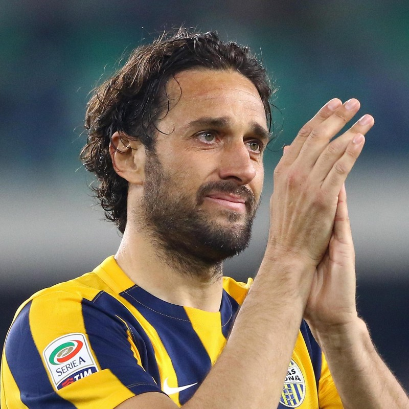 The last shirt worn by Luca Toni in his career, vs Juventus