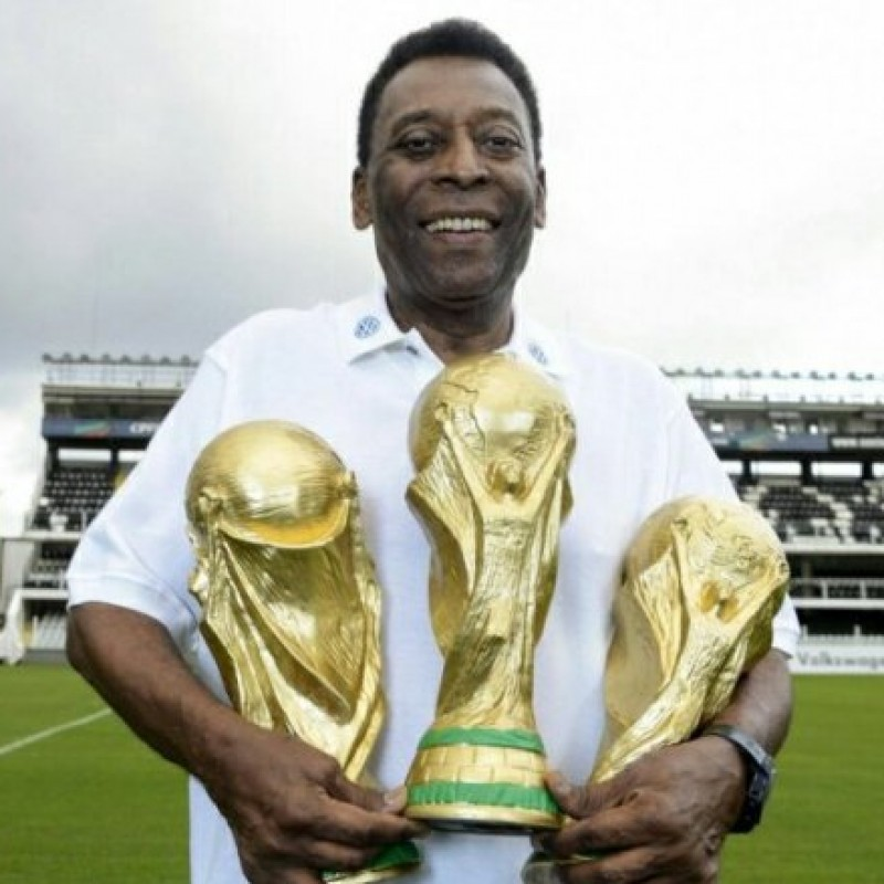 Pele Signed Replica World Cup