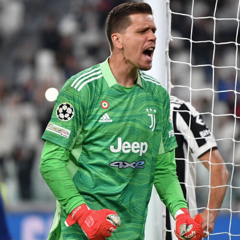 Szczesny's Official Juventus Shirt, 2021/22 - Signed by the Players