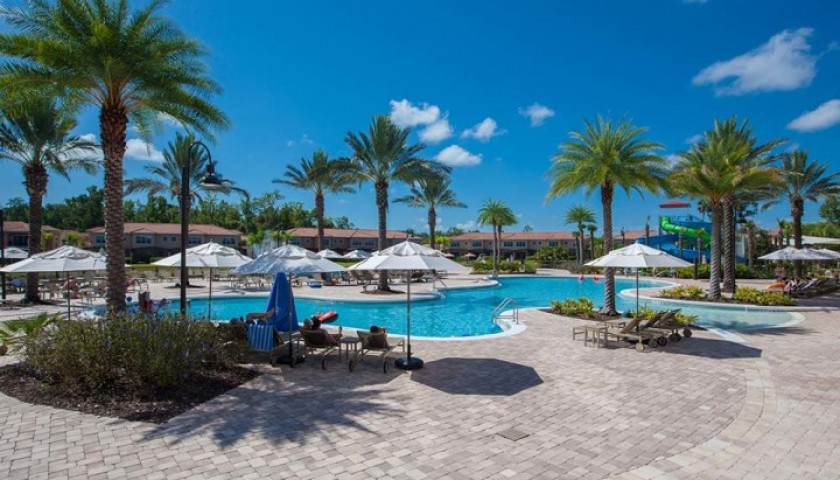 Enjoy 14 Nights at the Regal Oaks Resort in Florida