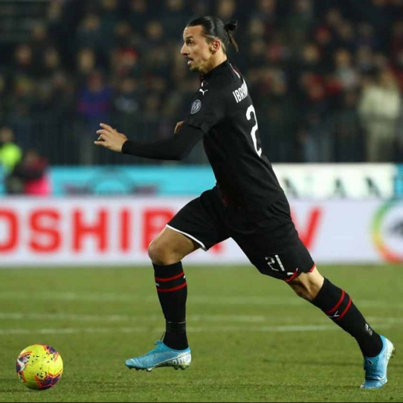 Nike Shin Pads - Signed by Ibrahimović