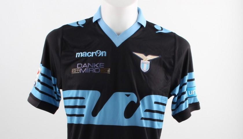 Match Worn Klose shirt, Lazio-Fiorentina 15/05, Special UNICEF Patch - Signed