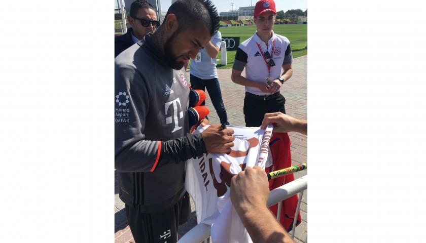 Official Bayern Munich 2016/17 Shirt Signed by Arturo Vidal
