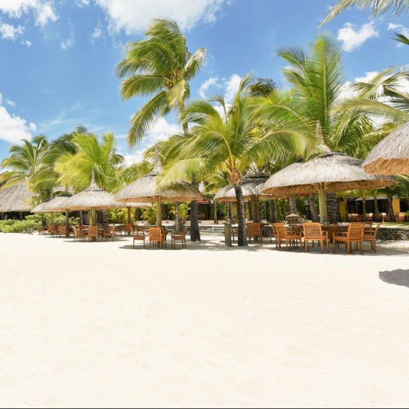 A Six-Night Stay at Paradis Beachcomber Golf Resort & Spa