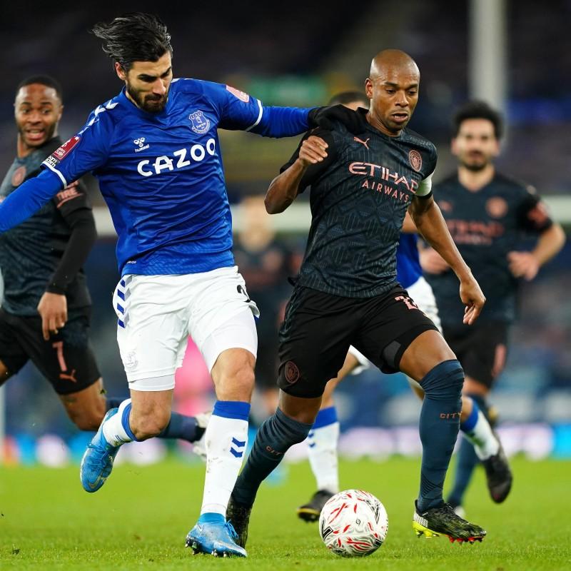 Fernandinho's Manchester City FA Cup Away Signed Shirt