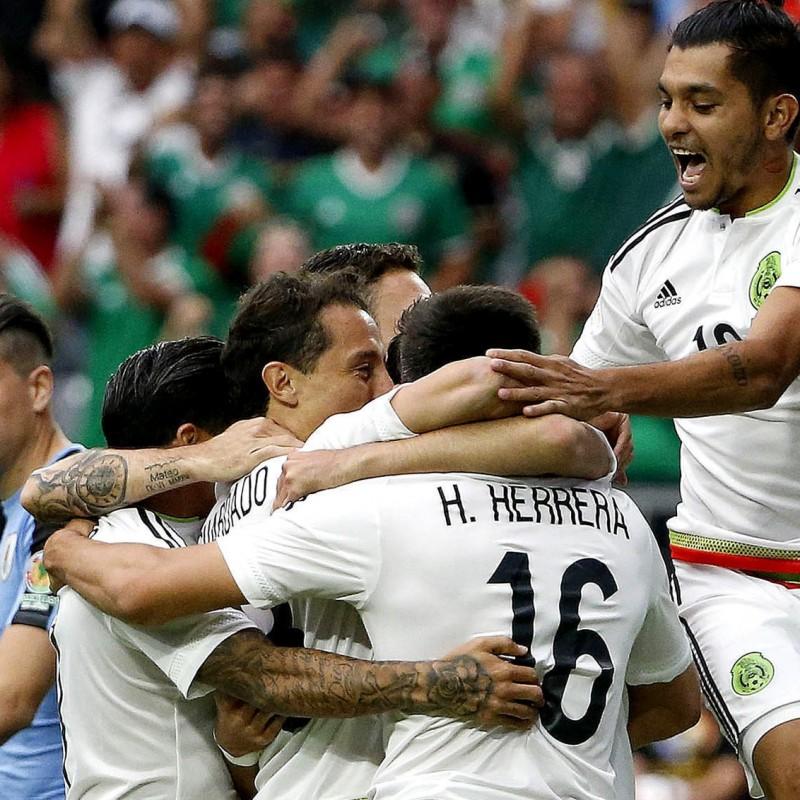 Jesus Corona Match issued/worn Shirt, Mexico-Uruguay 5/06/2016