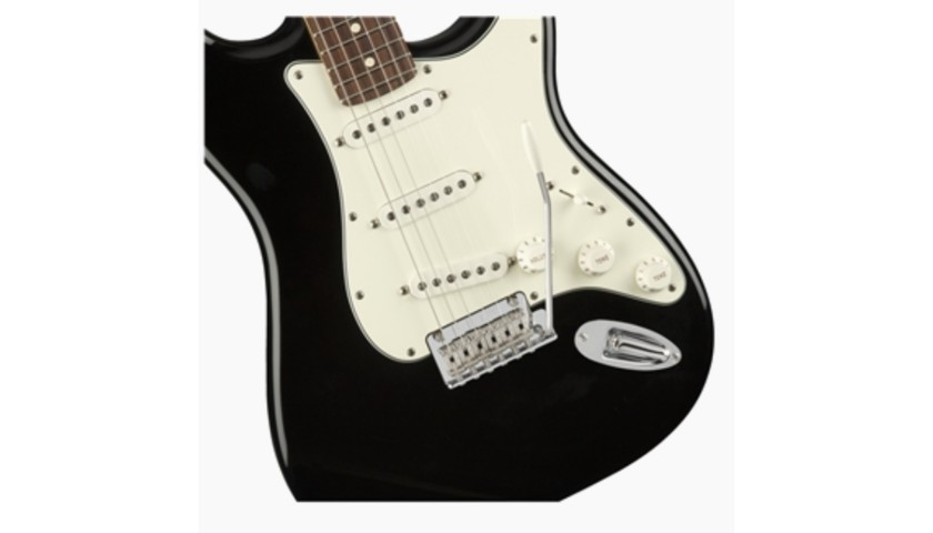 """Avril's Personally Dedicated """"Player Stratocaster"""" Guitar"""