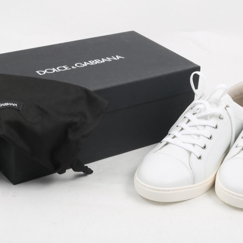 Tiziano Ferro's White Tennis Shoes