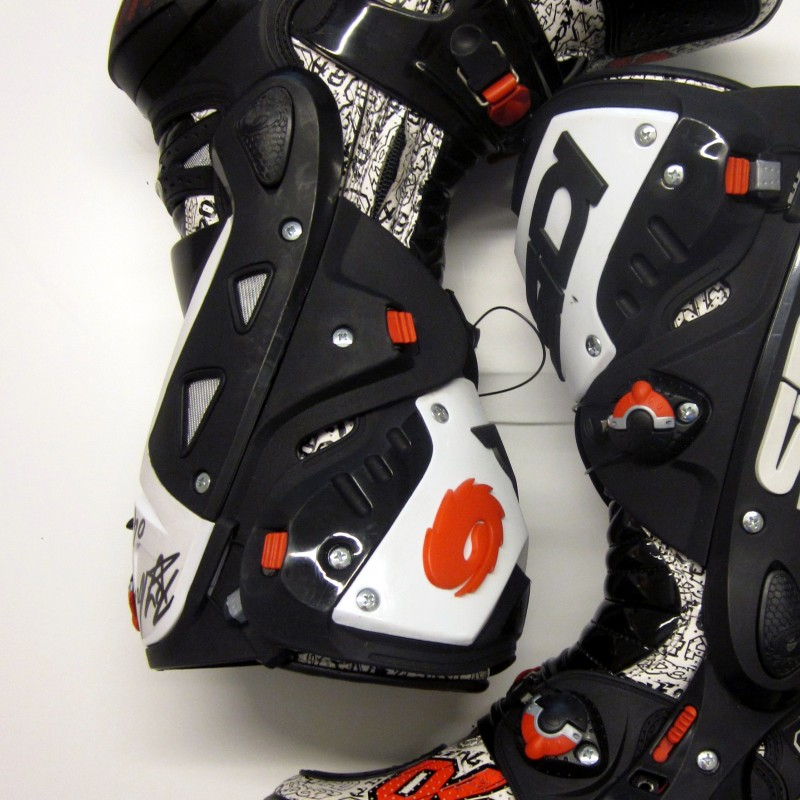 Andrea Dovizioso signed boots worn during the Valencia Gp 2013