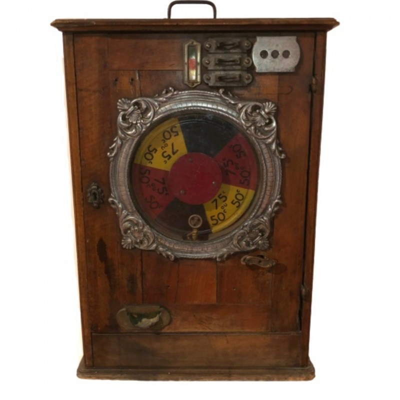 1940s Slot Machine
