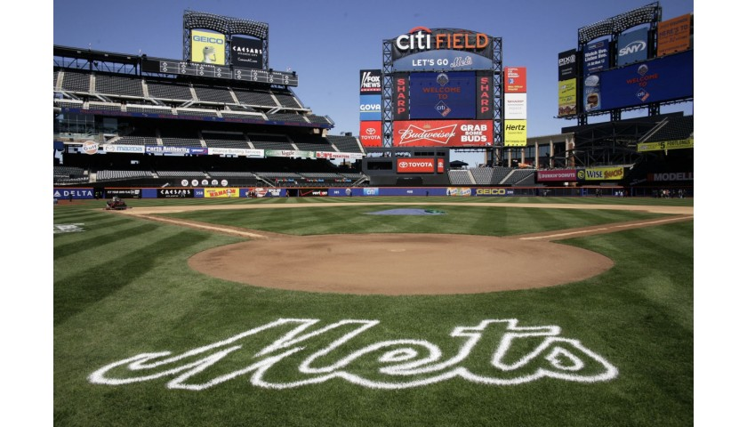 4 Field Level Tickets to the NY Mets Home Game, Plus Free Parking