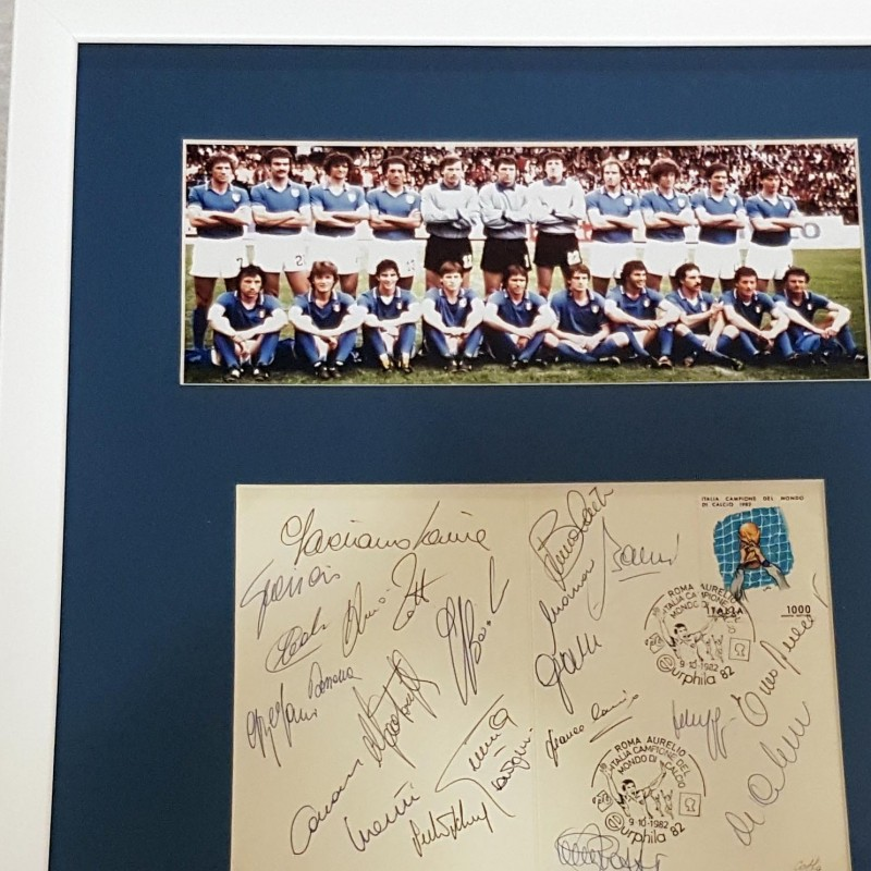 Painting signed by the football world champions - 1982