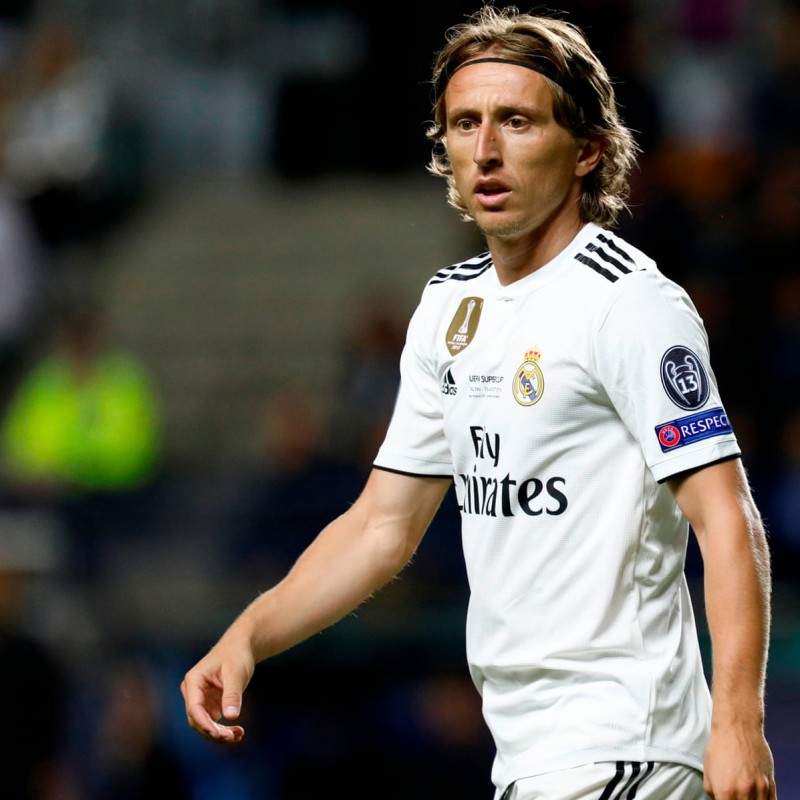Modrić's Real Madrid Worn and Signed Match Shirt, 2018-19