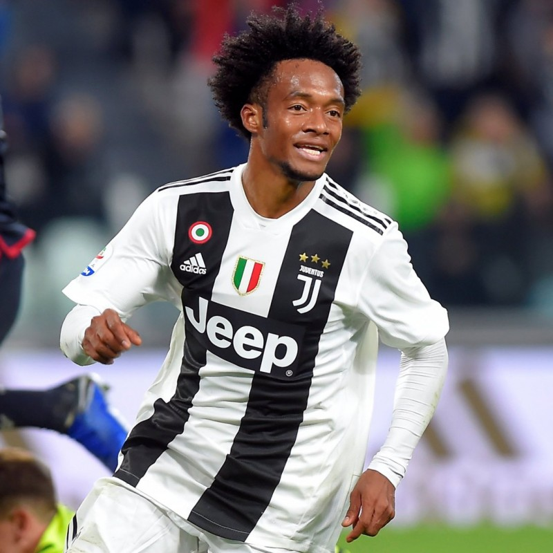 Cuadrado's Authentic Juventus Signed Shirt, 2018/19