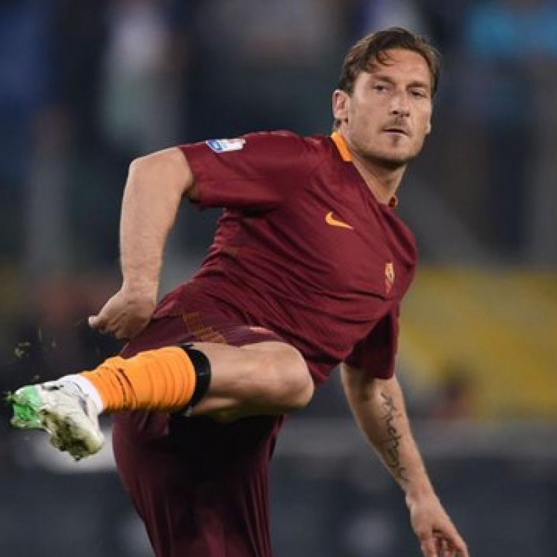 Nike Tiempo Boots - Signed by Totti