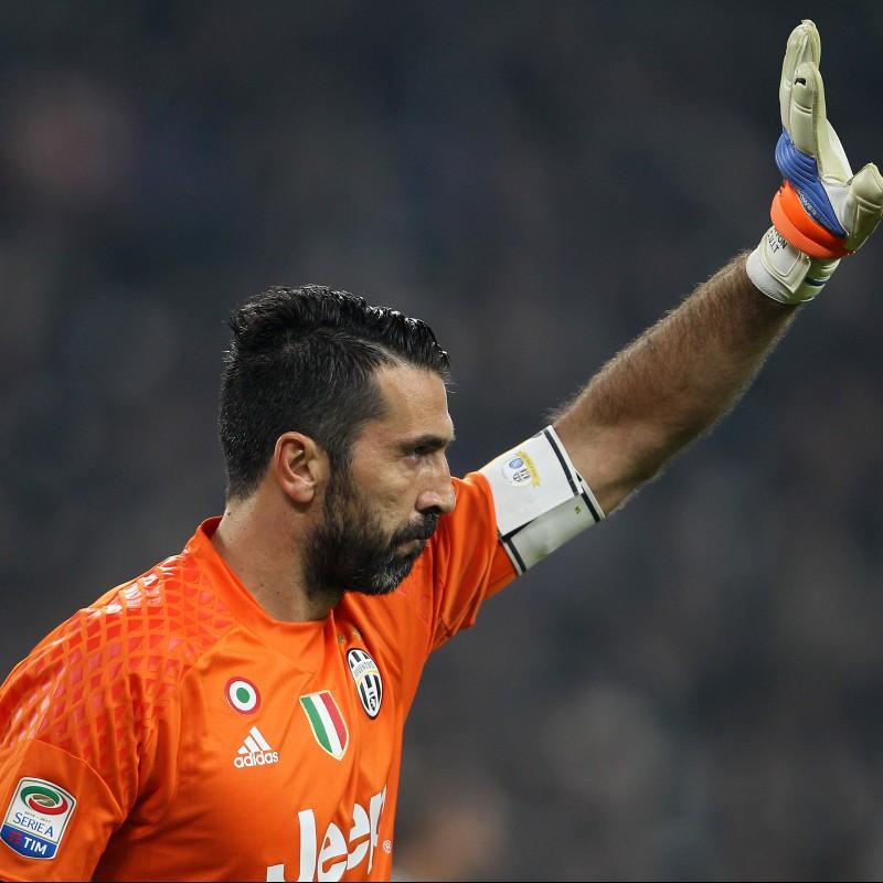 Buffon's Match-Worn Captain Armband, Juventus-Napoli 2016/17