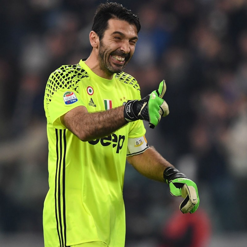 Buffon's Match-Issued Captain Armband, Juventus-Palermo 2016/17