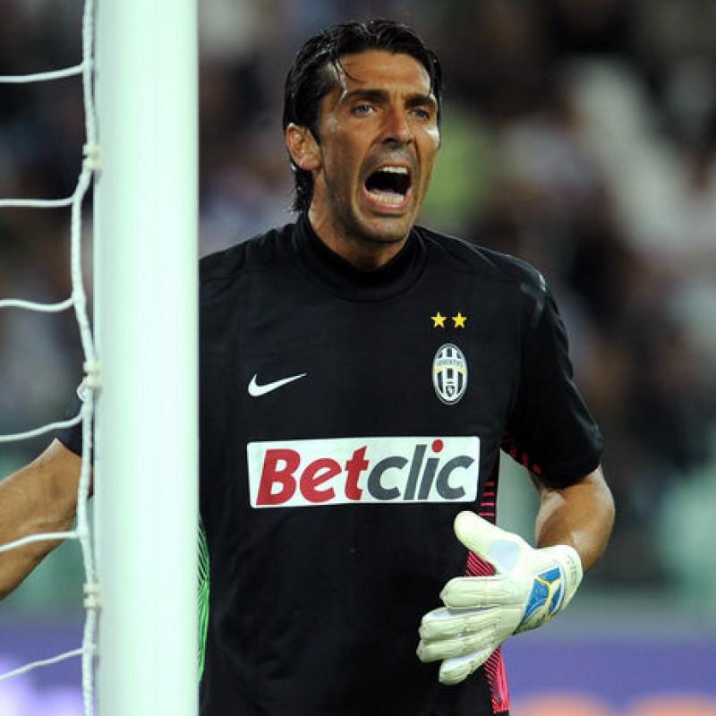 Buffon's Official Juventus Signed Shirt, 2011/12