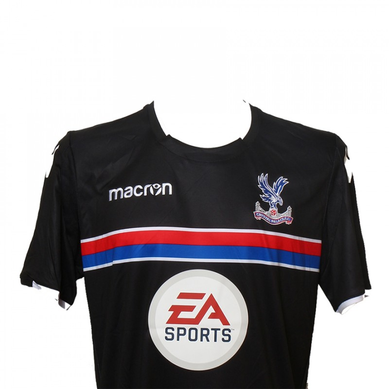 Play Right Wing Alongside Crystal Palace FC Legend Andy Gray
