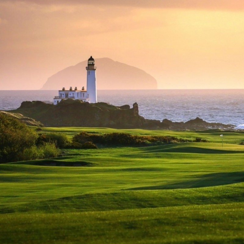 Play Scotland's Greatest Links Courses With a Guest of Your Choice