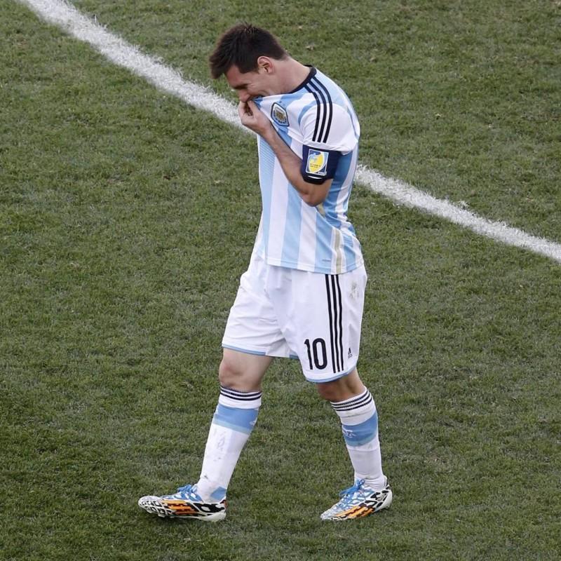 Special Edition Un Sueño Una Nacion Cleats Signed by Messi