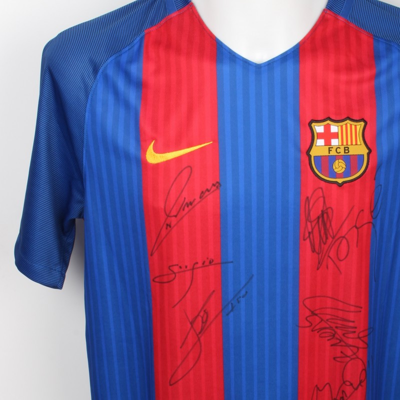 FC Barcelona Messi Shirt signed by Members of the Squad