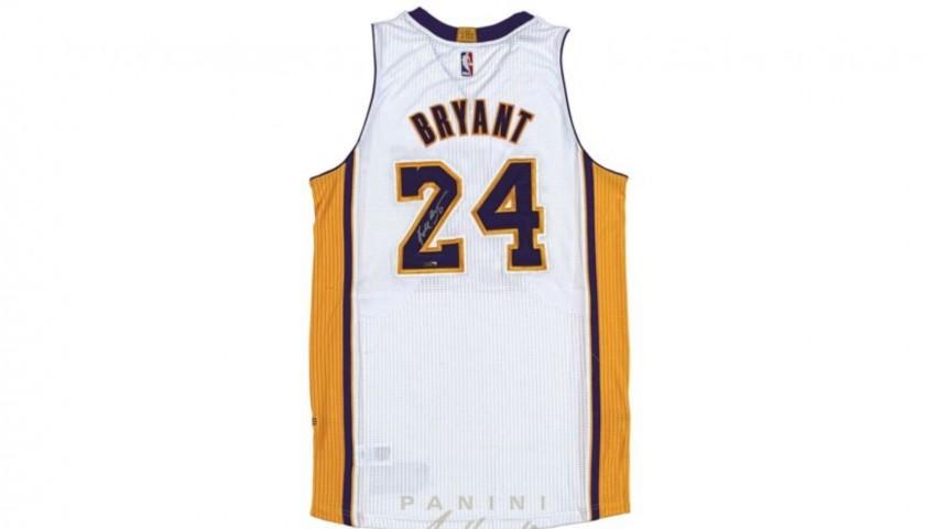 hot sale online ae92b d6257 Kobe Bryant Hand Signed LA Lakers Jersey - CharityStars