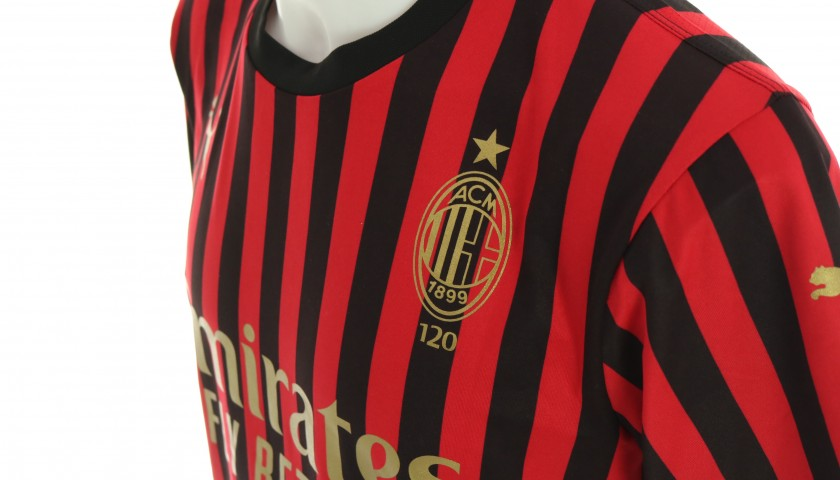 Dominika Čonč will Give You the Shirt She Wore for the Milan Derby