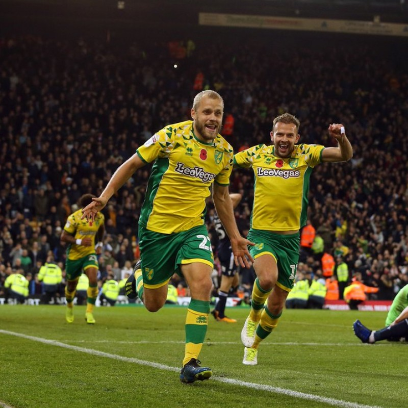 Pukki's Norwich Poppy Match Shirt - Signed