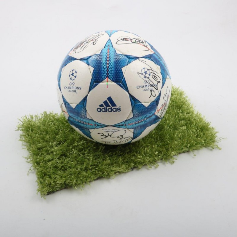 Official C.League ball, signed by Juventus players