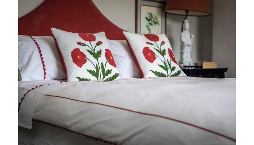 A Set of Made to Order Peter Reed Waves Bedlinen