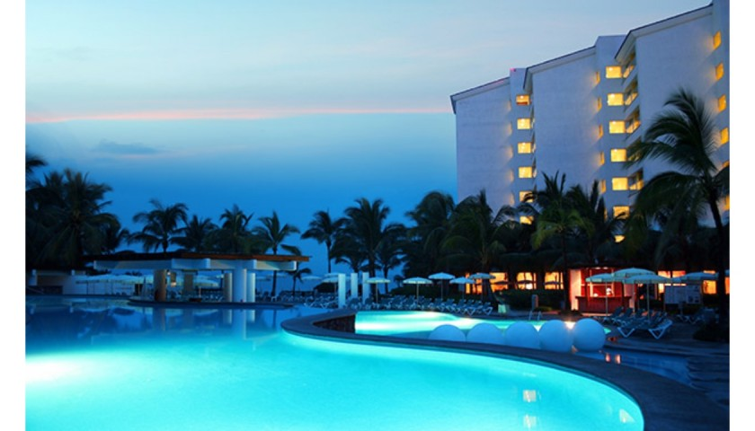 A Royal Getaway to The Mayan Palace Resort