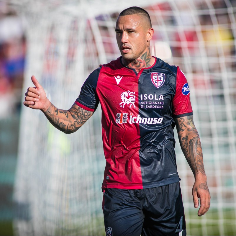 Nainggolan's Match-Issued Signed Shirt, Cagliari-Fiorentina